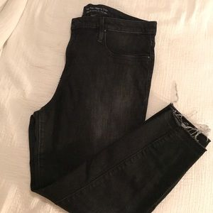 Mossimo Cropped Jean $15